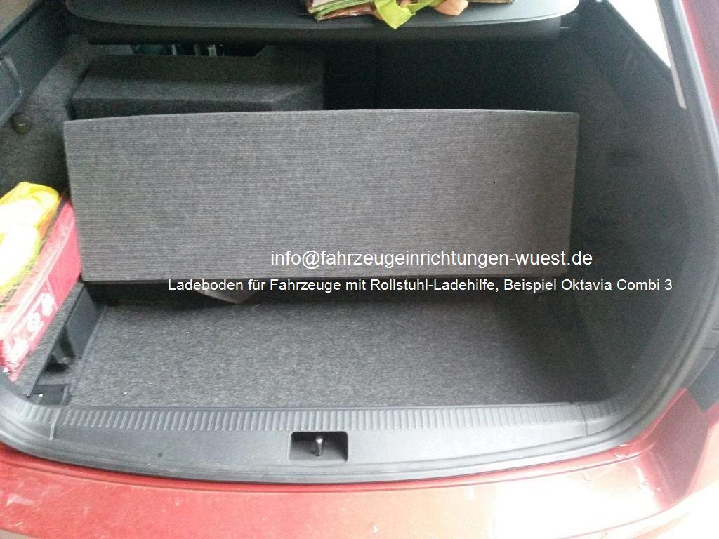 Wüst Ladeboden für Fahrzeuge mit Rollstuhl-Ladehilfe,  Beispiel Oktavia Combi auf